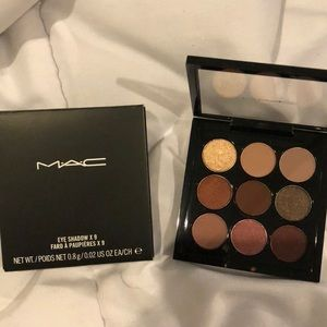 MAC eyeshadow palette: burgundy x's 9